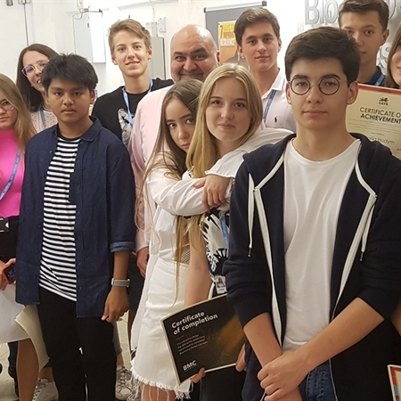 Summer school students graduate from the only school in Europe with a Bloomberg Business Lab